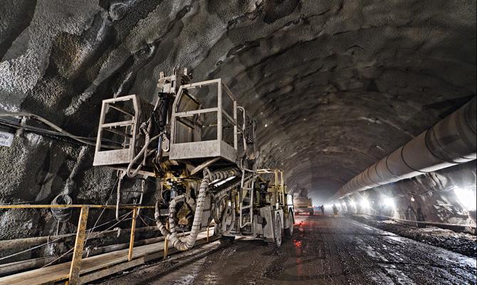 Кабмин увеличил смету строительства Бескидского тоннеля