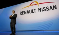 Bloomberg: Nissan и Renault ведут переговоры о слиянии