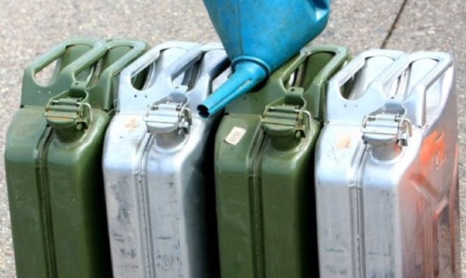 Вукраинскую столицу впервый раз поДнепру доставят солярку из Республики Беларусь