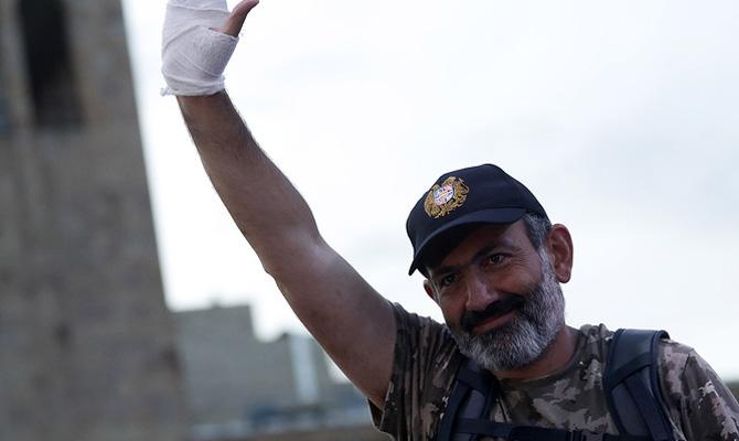 Лидер армянской оппозиции пообещал оставить страну вОДКБ после смены власти
