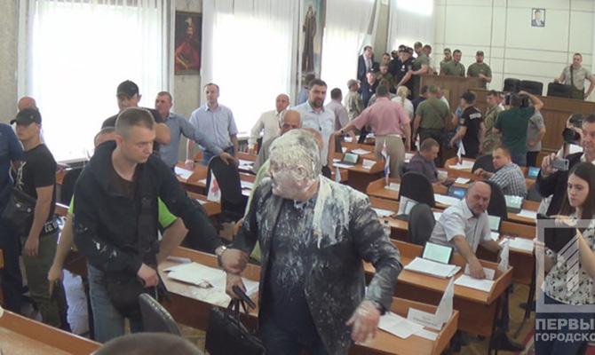 Депутат устроил стрельбу насессии горсовета Никополя,