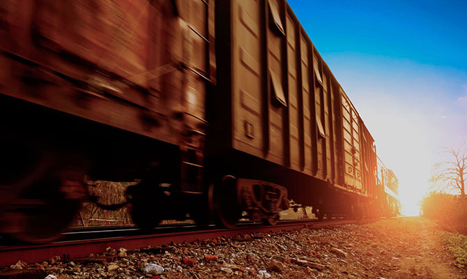 Криворожские предприятия ГМК потеряли треть суточного производства из-за забастовки железнодорожников