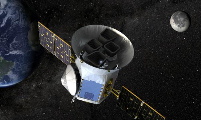 SpaceX перенесла дату первого туристического полета вокруг Луны
