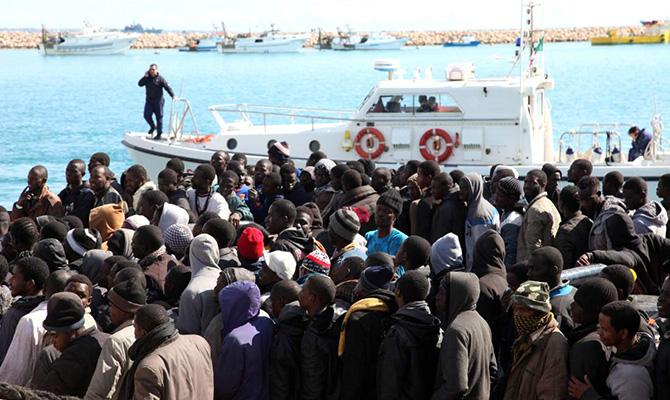 Правительство Италии выполнило свои угрозы порты для судов с беженцами закрыты