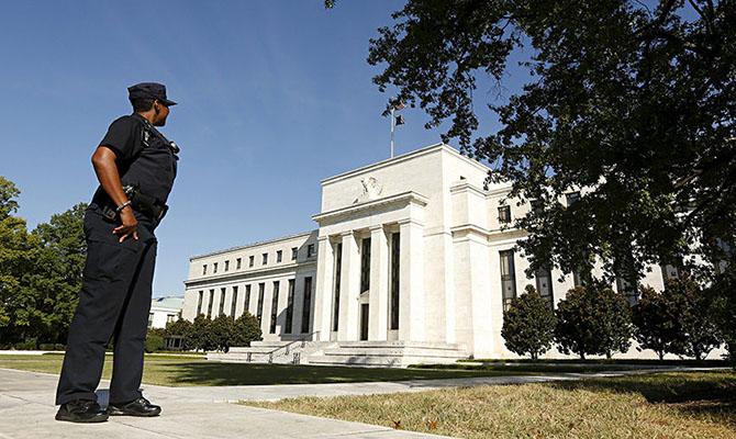 ФРС повысила процентную ставку до1,75-2%