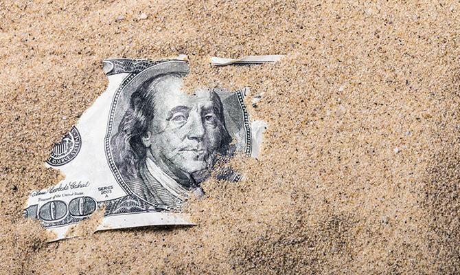 Россия в ответ на санкции продолжит распродажу бумаг США, - глава Минфина