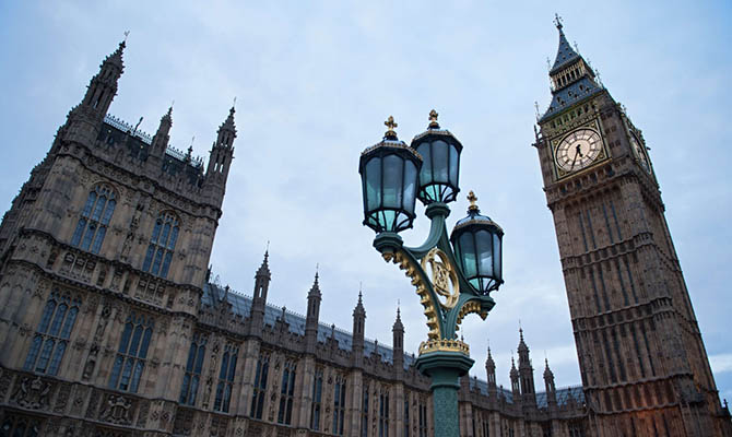 Лондон перестал выдавать визы российским дипломатам