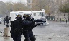 Во Франции выплатят премии полицейским, задействованным в подавлении протестов