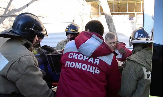 На руинах дома в Магнитогорске нашли живого младенца