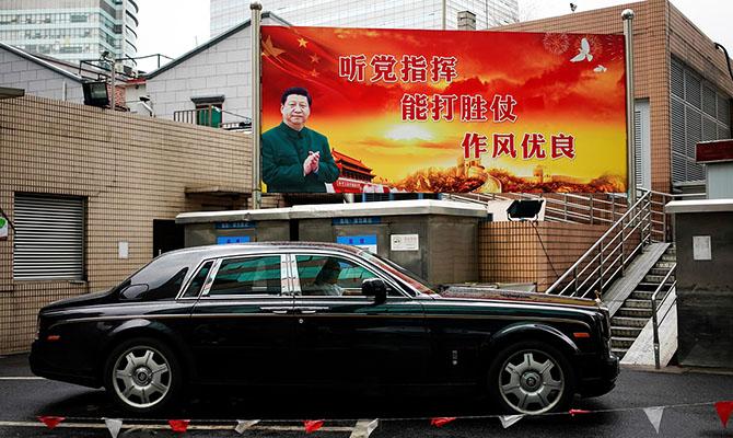 Продажи автомобилей в Китае упали впервые более чем за 20 лет