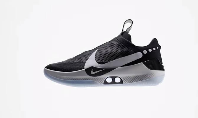 7ce71cf4 Nike представила кроссовки с автоматической шнуровкой. Капитал