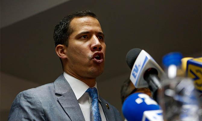 Кризис вВенесуэле— В столицеРФ начали сомневаться вМадуро