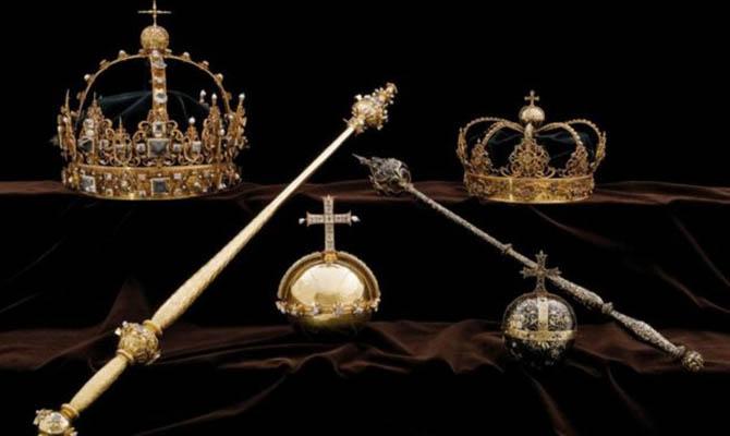 Похищенные вШвеции королевские регалии XVII века отыскали вмусорном баке