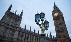 В Великобритании правящая партия победила бы в случае выборов в парламент