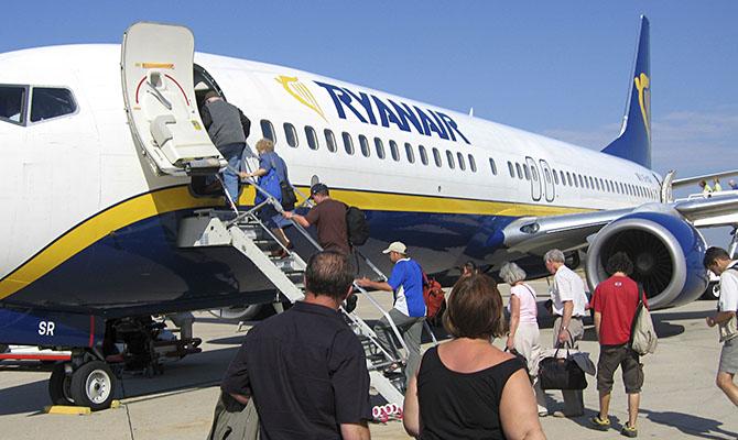Ryanair будет летать из Киева в Катовице