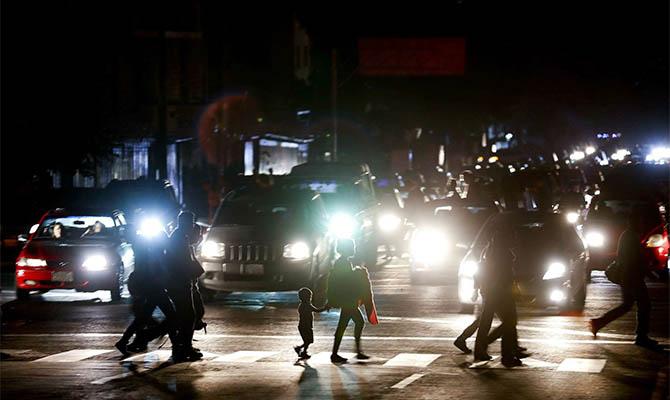 Венесуэла снова без света – там объявили выходной