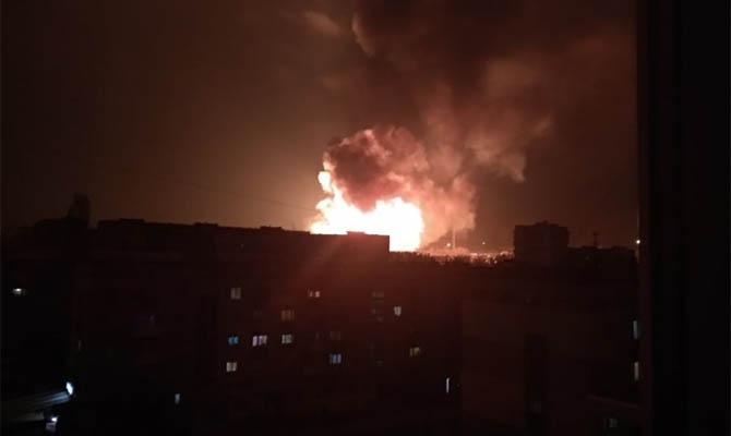 В Кропивницком прогремели несколько взрывов, в городе пожар