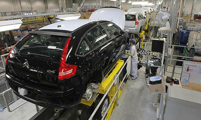 Еврокомиссия подозревает немецкие автоконцерны в картельном сговоре