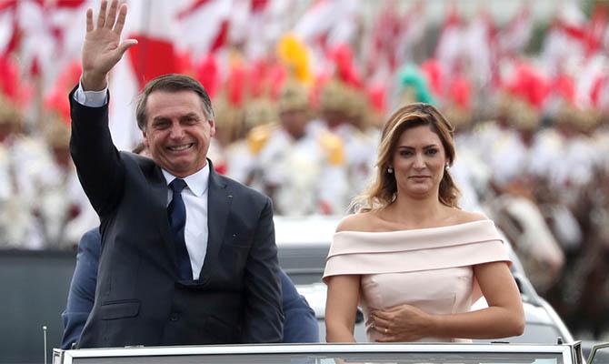 Президент Бразилии хочет назначить сына послом в США