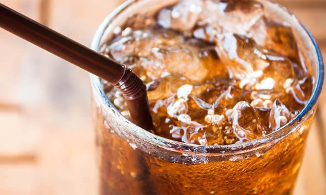 Ученые подтвердили опасность сладких напитков для здоровья
