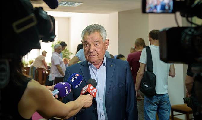 Омельченко требует у полиции обеспечить честные выборы в Шевченковском районе Киева