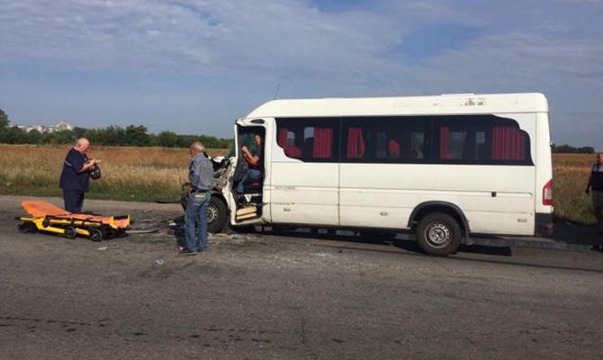 В Днепропетровской области из-за ДТП с маршруткой пострадали более 10 человек