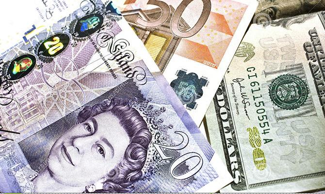 Украинцы увеличили покупку валюты на наличном рынке