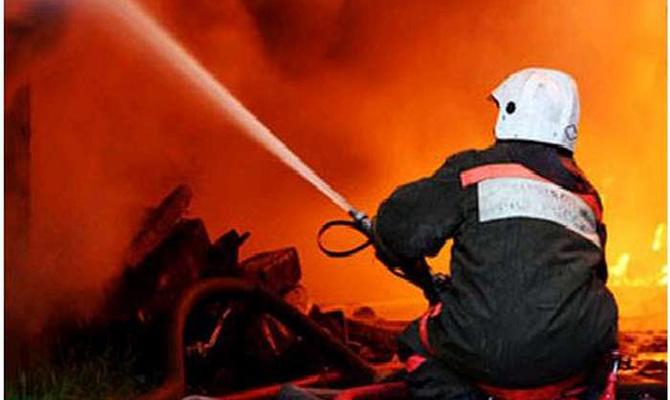 В Демидове возле Киева горит мусор на территории сортировочного завода, — ГСЧС