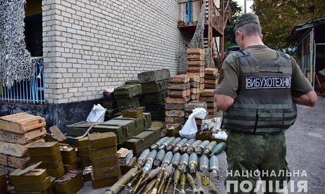 Три добровольческие подразделения сдали оружие полиции