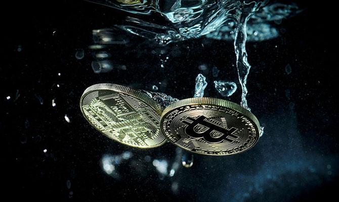 Bitcoin за две недели потерял четверть стоимости