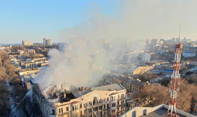 Семьям погибших и пострадавшим на пожаре в одесском колледже выплатят деньги