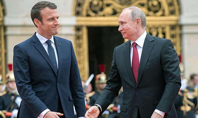 Макрон и Путин обсудили обмен пленными и транзит газа через Украину