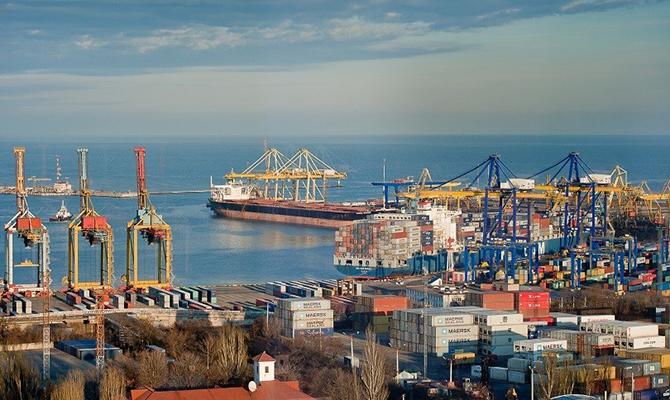 Компания «Портинвест» незаконно получает линейные скидки на портовые сборы, - юрист
