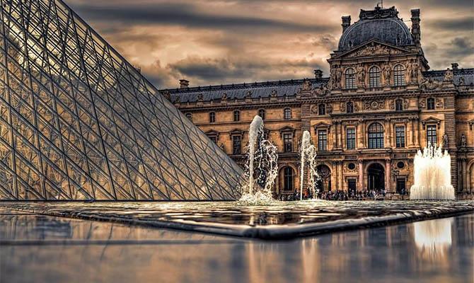 Во Франции из-за забастовки персонала нельзя попасть в Лувр