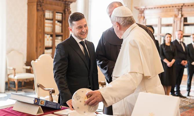 Папа Римский назвал Зеленского «президентом мира»
