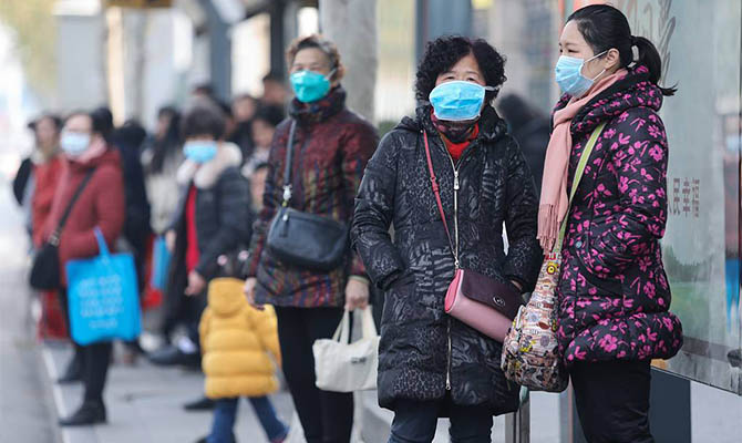 Китай вскоре передаст Украине миллионы медицинских масок и тысячи тестов на коронавирус