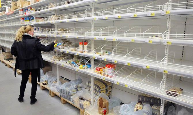 Россияне на фоне паники запаслись продуктами на 4 месяца