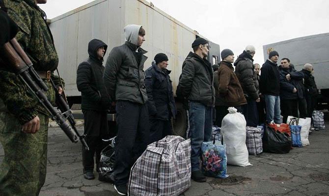 ДНР обещает допустить к украинским пленным родственников