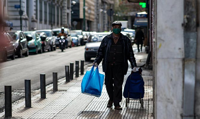 Греция начинает смягчать карантин