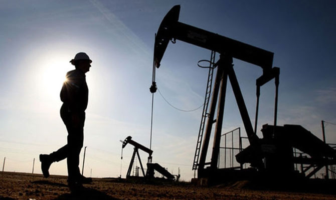 Нефть WTI дешевеет за день на 27%