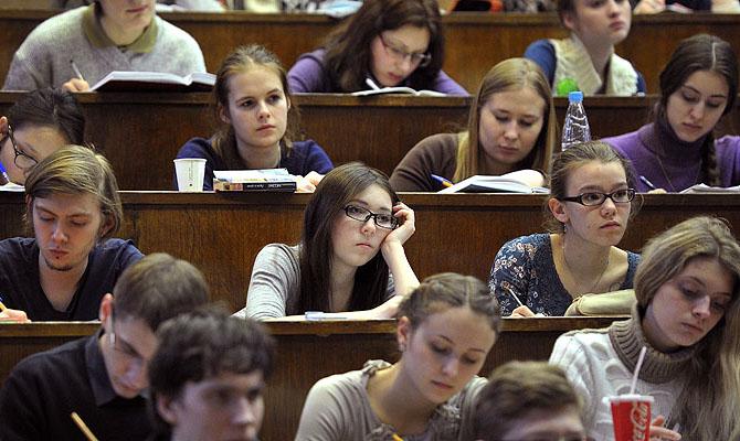 МОН не исключает, что студенты в июне вернутся в вузы