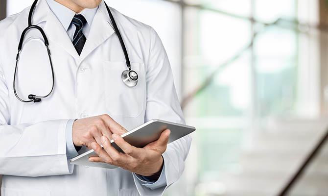Для повышения зарплат медикам нужно дополнительно 11 млрд грн
