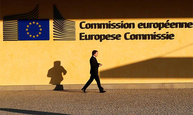 Еврокомиссия пессимистически оценивает экономическую ситуацию в Евросоюзе