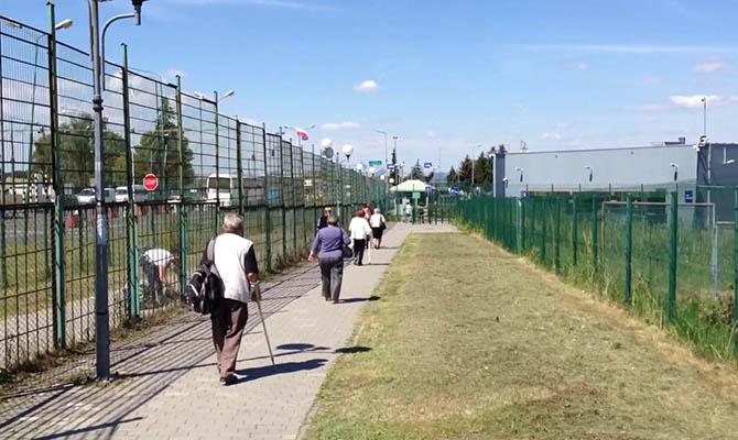 С сегодняшнего дня границу с Польшей можно снова пересечь пешком