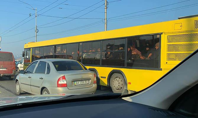 В наземном транспорте Киева будут действовать ограничения по количеству посадочных мест