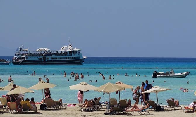 Греция снижает цены чтобы привлекать туристов