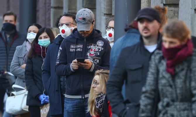 В ФРГ начинают отказываться от защитных масок