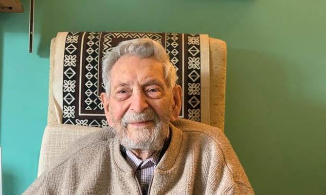 В Великобритании умер самый старый мужчина на планете