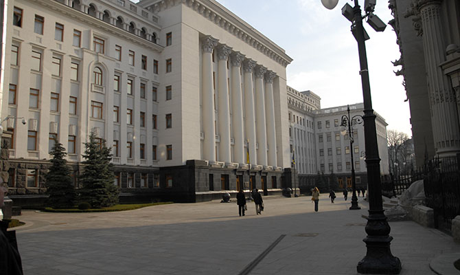 Юрист сообщил о манипуляциях на сайте петиций президенту