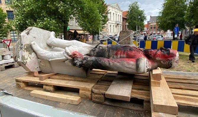В Антверпене демонтировали памятник королю Леопольду Второму